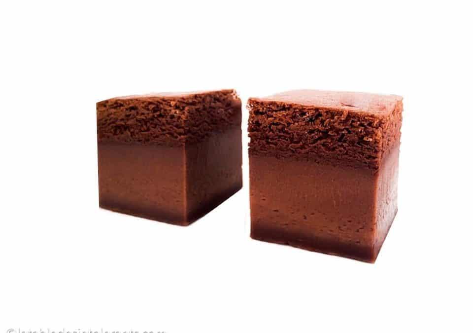 GÂTEAU MAGIQUE AU CHOCOLAT NOIR sans gluten, sans lactose, avec ou sans sucre